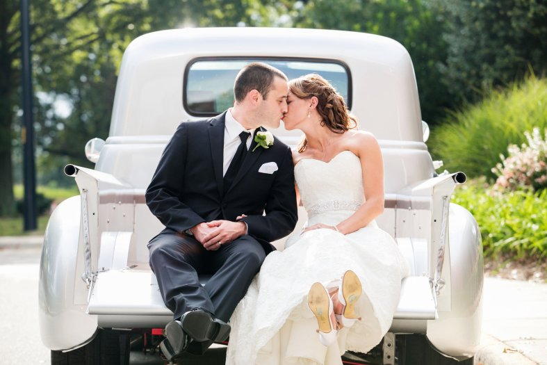 View More: http://ashleylesterphoto.pass.us/the-gault-wedding